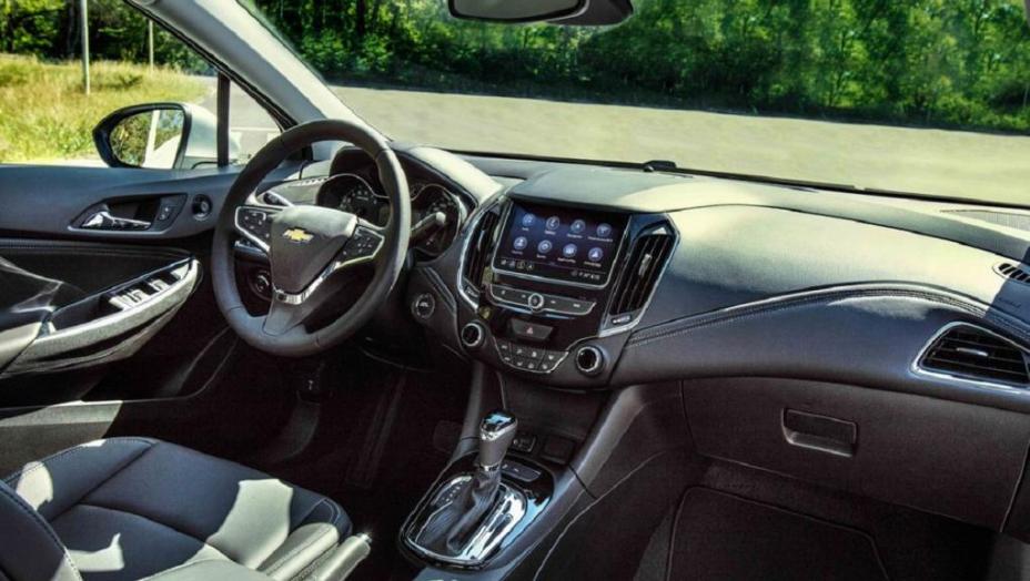 Chevrolet-Cruze-2021-LTZ-4-5_1611320651
